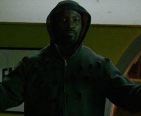 'Tá saindo da jaula o monstro' em novo trailer de Luke Cage