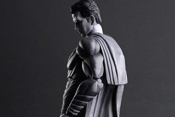 Confira a nova figure do Superman da Play Arts Kai