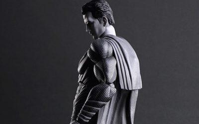 Confira a nova figure do Superman da Play Arts Kai